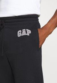 GAP - LOGO PANT - Spodnie treningowe - moonless night - 4