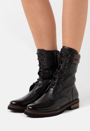 NONTISCORDARDIME - Šněrovací kotníkové boty - black/castagno