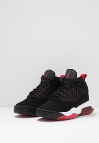 Jordan - MAXIN 200 - Scarpe da basket - black/gym red/white - 3