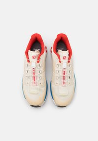 Salomon - SHOES XT-WINGS 2 ADV UNISEX - Trainers - vanilla/racing red/imperial blue - 3