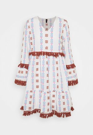 YASFIDELI DRESS - Vardagsklänning - star white