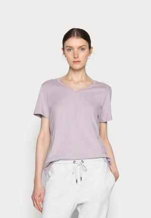 NAIA - Basic T-shirt - nirvana