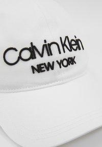 Calvin Klein - Cap - white - 4