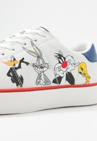 MOA - Master of Arts - Trainers - white - 2