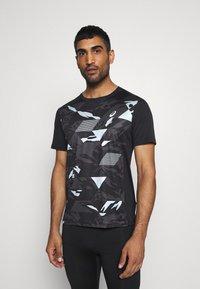 ASICS - FUTURE CAMO - Camiseta estampada - performance black - 0