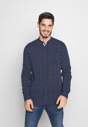 JPRKYLE ONE POCKET - Overhemd - navy blazer