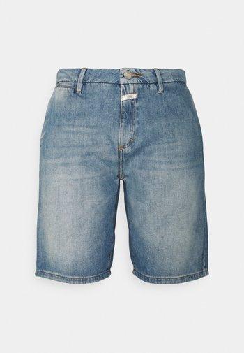 HOLDEN - Denim shorts - mid blue