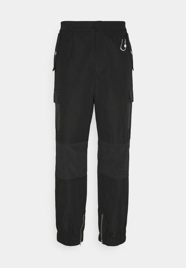 HARDWARE TROUSERS - Pantalon cargo - black