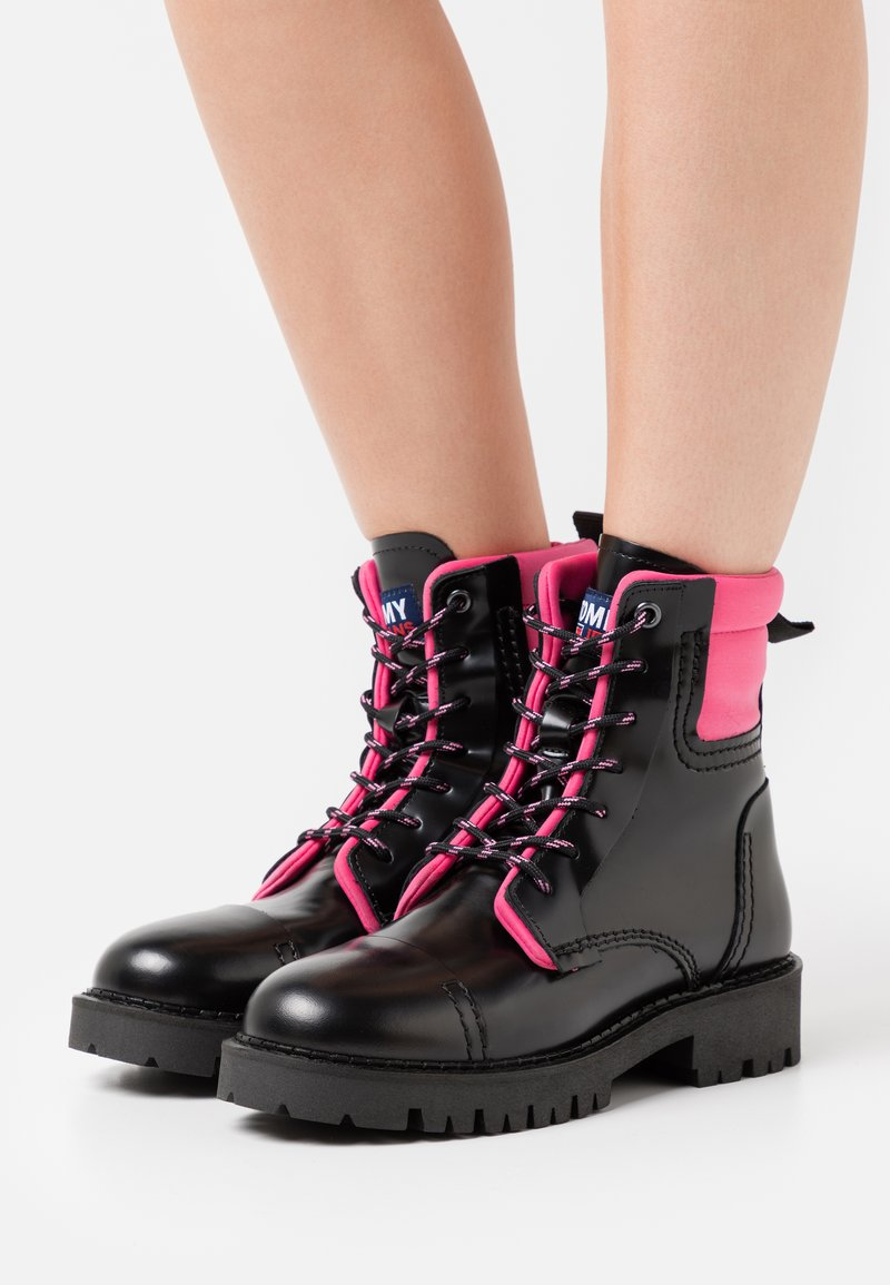 Tommy Jeans - FASHION POP COLOR BOOT - Platform ankle boots - black/glamour pink