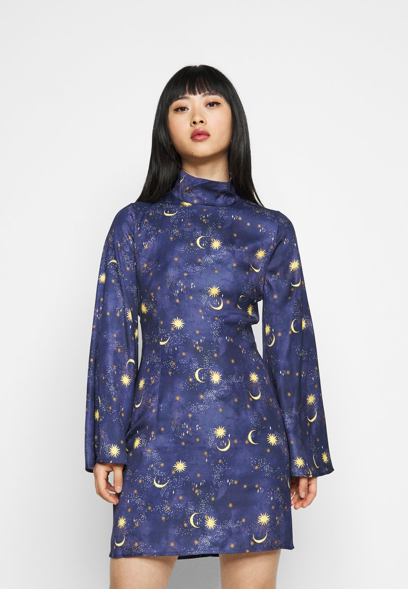 Never Fully Dressed Petite - HIGH NECK MINI MOON AND STARS DRESS - Etui-jurk - navy/multi
