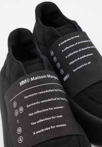 MM6 Maison Margiela - ELASTICO - Tenisky - white/black - 4