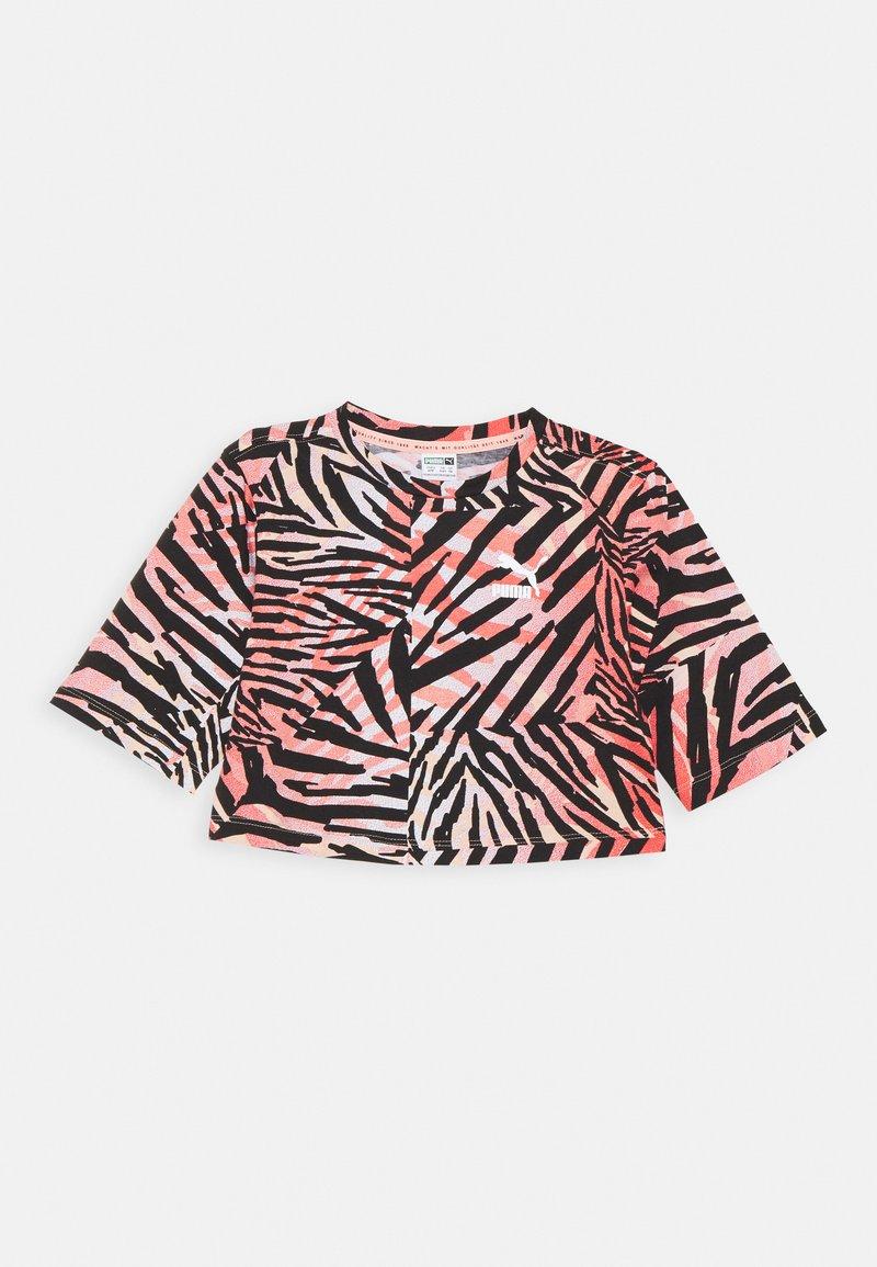 Puma - CLASSICS SAFARI TEE - Print T-shirt - apricot blush