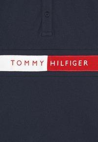 Tommy Hilfiger - FLAG - Poloshirts - twilight navy - 2