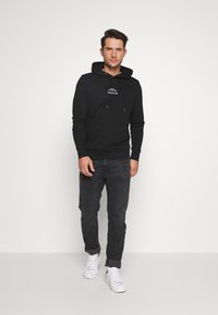 Tommy Hilfiger - BASIC EMBROIDERED HOODY - Sweat à capuche - black - 1