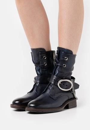 Lace-up ankle boots - river
