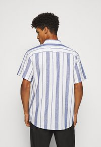 Les Deux - SIMON - Shirt - offwhite / cobalt blue - 2