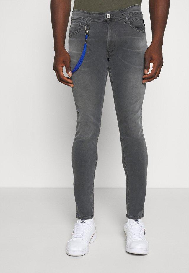 TITANIUM MAX - Jean slim - medium grey