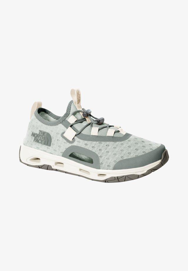 W SKAGIT WATER SHOE - Sneakersy niskie - green mist wrought iron