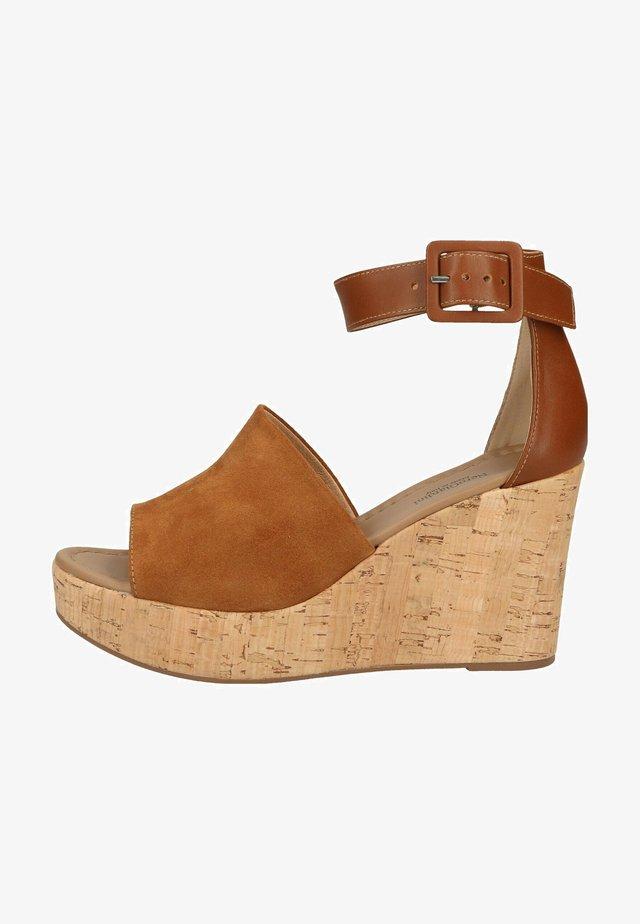 Sandalen met sleehak - tabacco