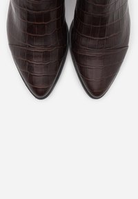 Vagabond - MARJA - Classic ankle boots - brown - 5