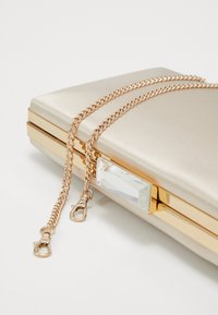 Forever New - FRANKIE FRAME - Clutch - champagne - 3