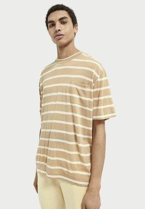 Print T-shirt - combo b