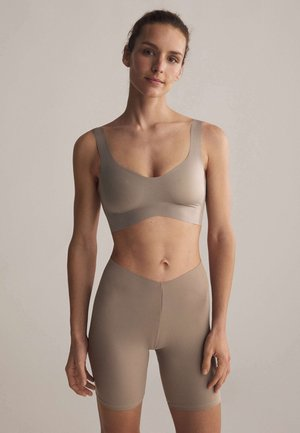 Light support sports bra - nude