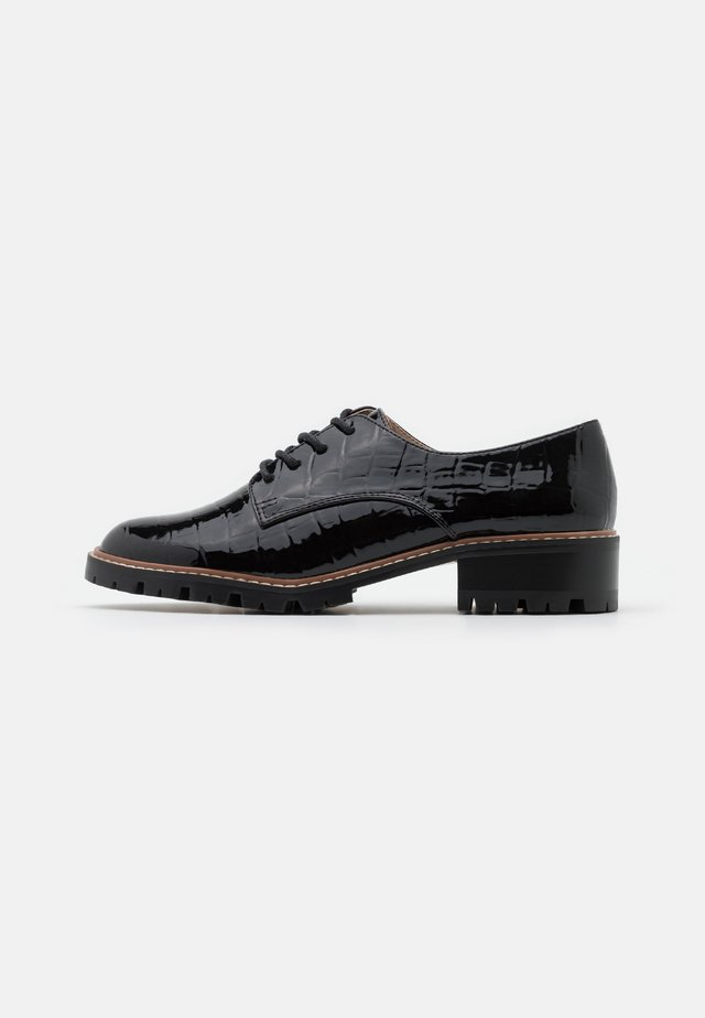 LIZZO CLEAT SOLE LACE UP - Derbies - black