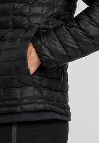 The North Face - THERMOBALL ECO JACKET - Winter jacket - black - 4