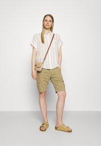 Marks & Spencer London - Skjortebluser - beige - 1