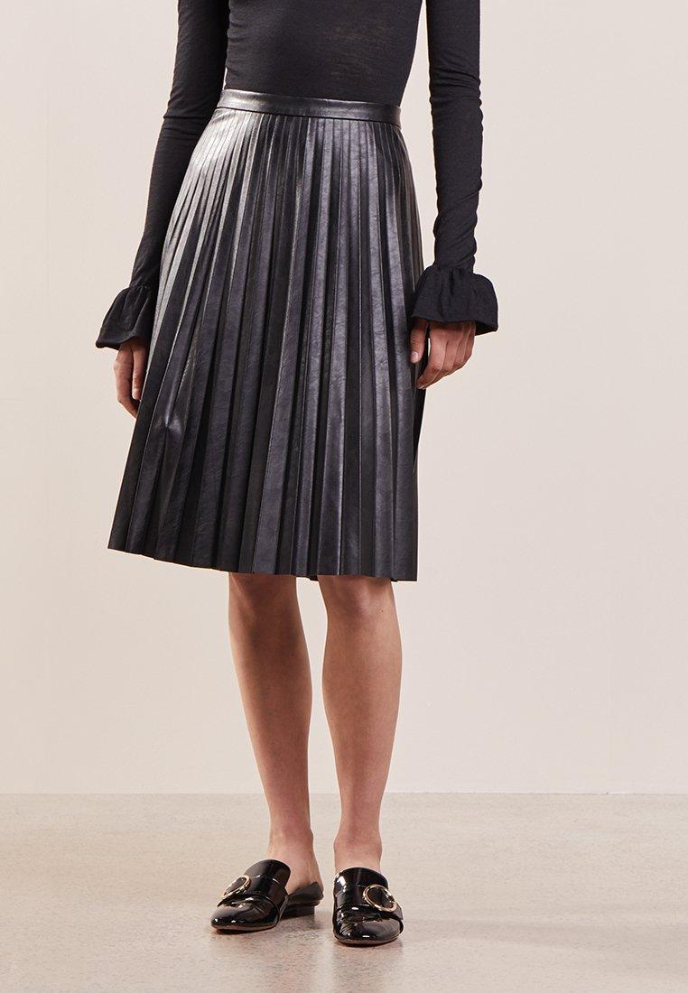 J.CREW - A-line skirt - black