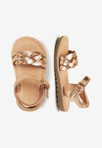 Next - ROSE GOLD BUCKLE TWIST SANDALS (YOUNGER) - Sandalen - gold - 1