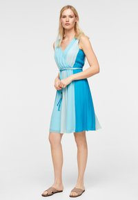 comma - MIT FARBVERLAUF - Day dress - turquoise - 1