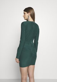 Hervé Léger - RUCHED LONGSLEEVE MINI - Sukienka z dżerseju - bright elm - 2