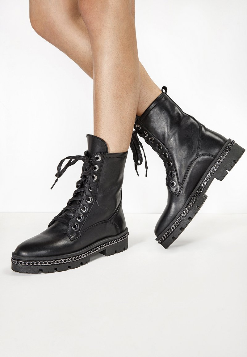 Inuovo - Lace-up ankle boots - black blk
