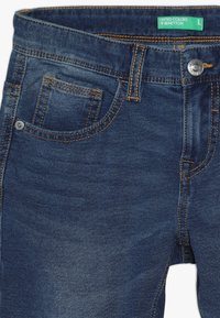 Benetton - TROUSERS - Relaxed fit jeans - blue denim - 3