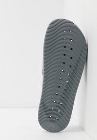 Nike Sportswear - KAWA SHOWER - Rantasandaalit - cool grey/volt - 4