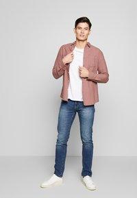 INDICODE JEANS - TONY - Jeans slim fit - mid indigo - 1