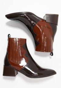 E8 BY MIISTA - MINEA - Botines camperos - dark brown/brown - 3