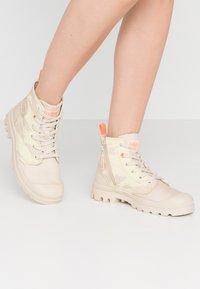 Palladium - PAMPA ZIP NEVADA - Boots à talons - yellow - 0