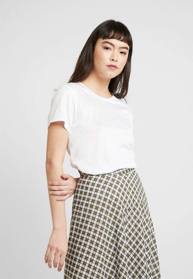 ELEVATED TEE - Basic T-shirt - white