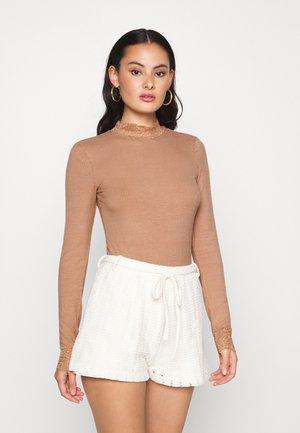 YASELLE  - Bluser - tawny brown