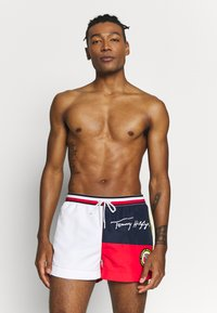 Tommy Hilfiger - DRAWSTRING - Swimming shorts - red - 0