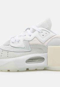 MM6 Maison Margiela - Sneakers laag - white - 6