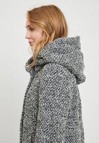 Vila - Short coat - light grey melange - 4