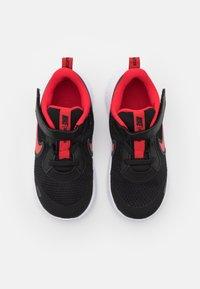 Nike Performance - REVOLUTION 5 UNISEX - Neutrala löparskor - black/university red/white - 3