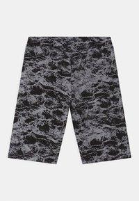 Re-Gen - TEEN BOYS  - Shorts - black/white - 1