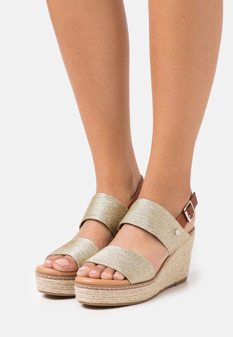 XTI - High heeled sandals - gold