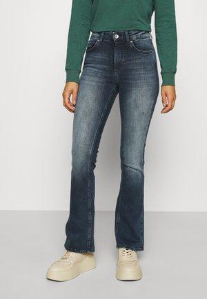 ONLBLUSH LIFE - Flared Jeans - blue black denim