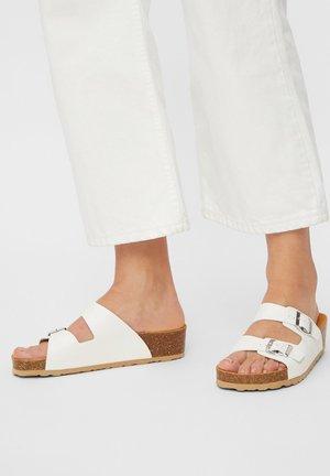 BIABETTY WEDGE BUCKLE - Slippers - white